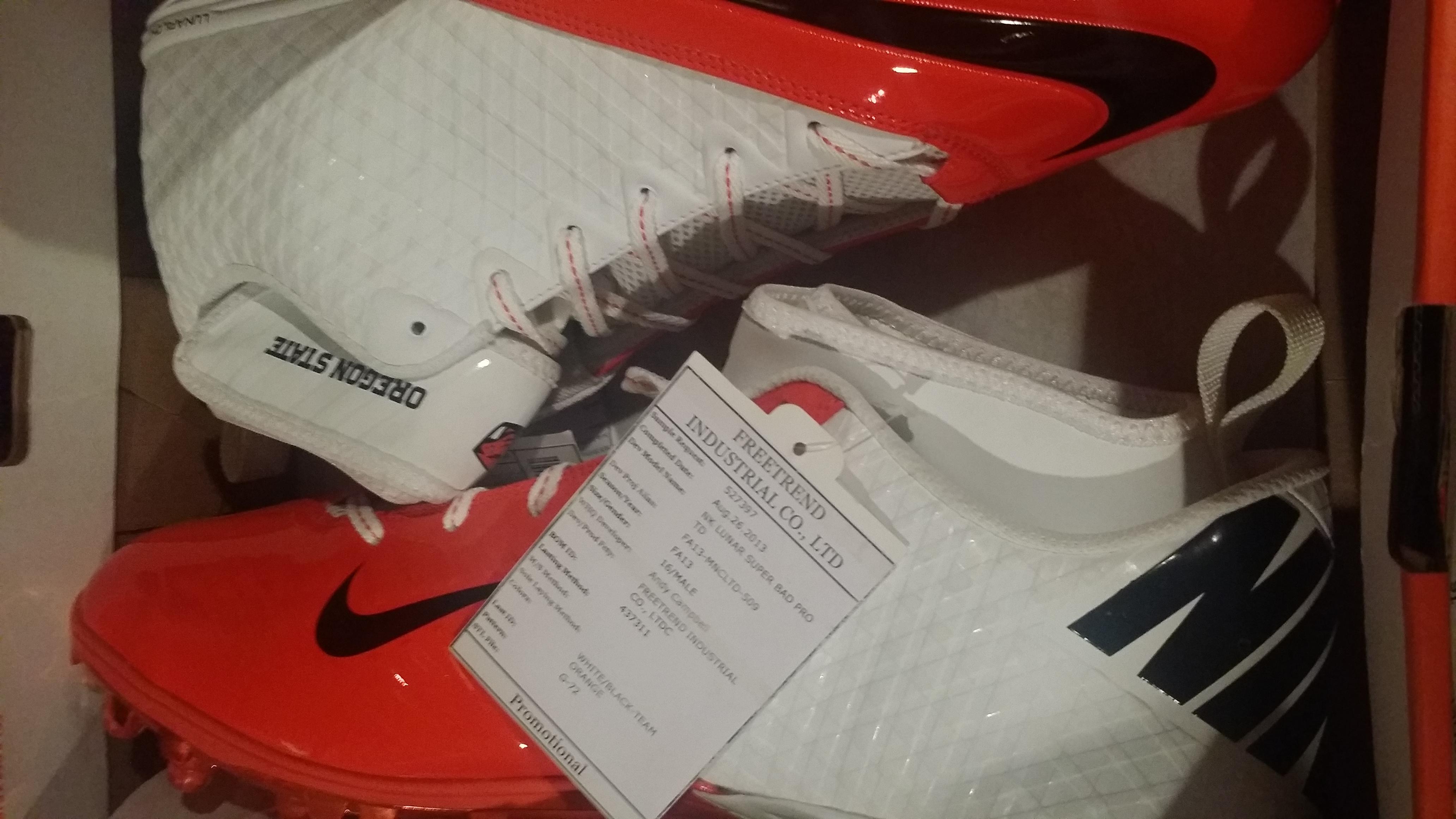1c8860d0b6c4 Nike Lunar SuperBad Pro TD Oregon State Football White   Black-Team ...